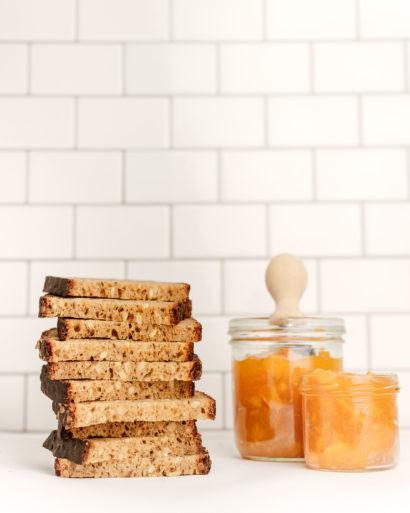 Naminė duona su saulėgrąžomis ir viso grūdo miltais