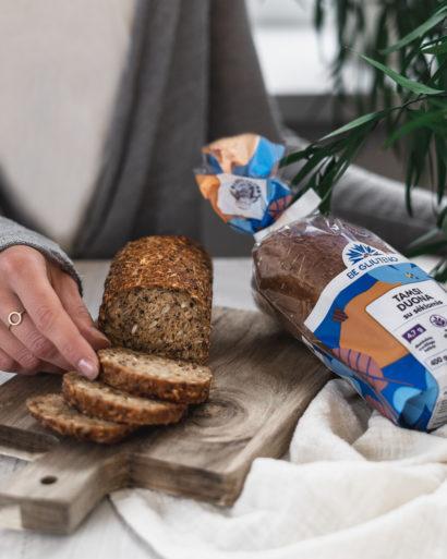 Be gliuteno tamsi duona su sėklomis