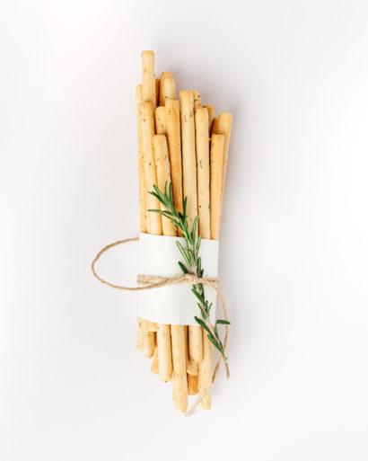 """""""Grissini"""" duonos lazdelės su rozmarinais"""