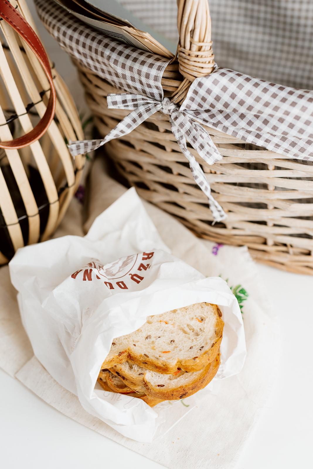 Mortos sumuštinių duona su sėklomis