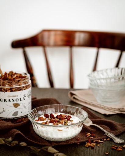 Duonos granola su agavų sirupu
